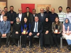 12. Gençlerle Başbaşanın konuşmacıları; Özbek, Kırgız ve Türkmenistanlı